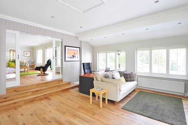 verniciare pavimento in legno
