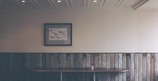 Boiserie in legno per le pareti di casa | colorivernici.it