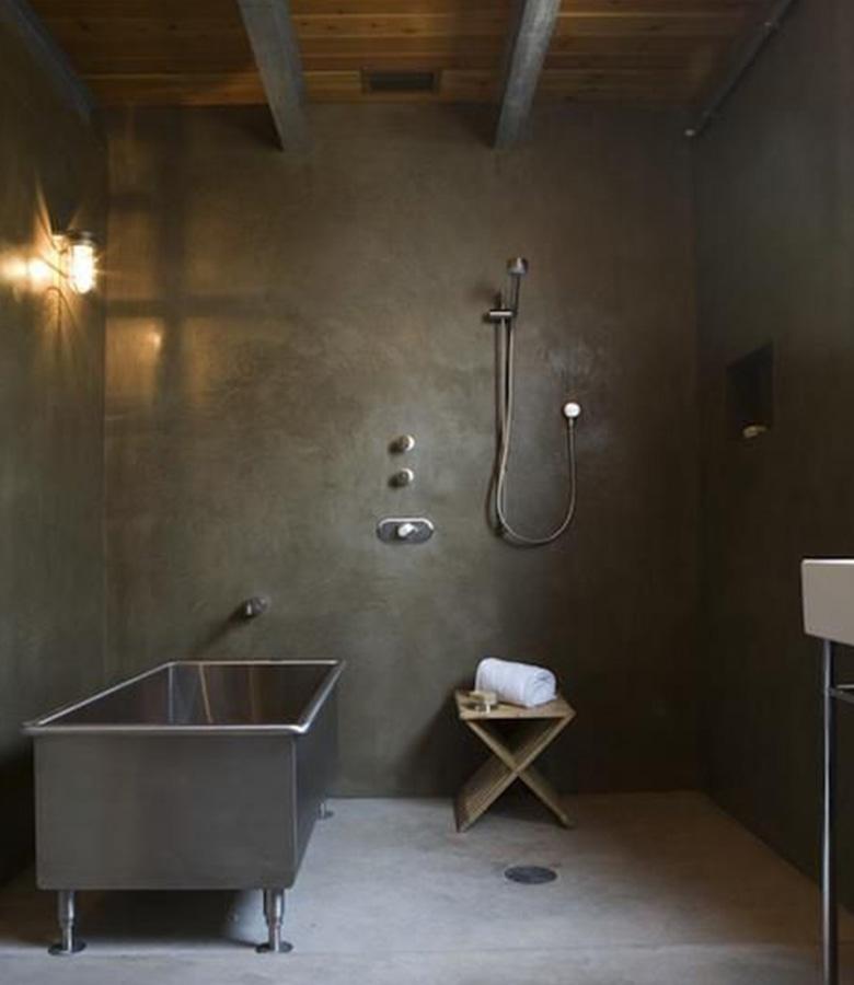 rivestimento bagno in microcemento